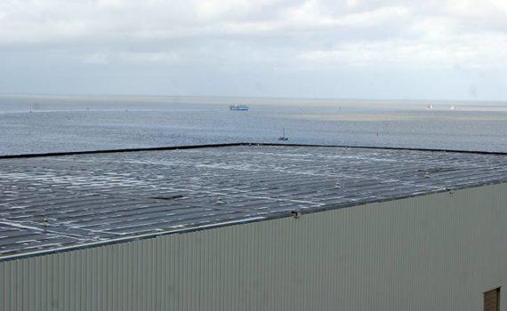 Vernieuwd dak Damen Shipyards in Harlingen