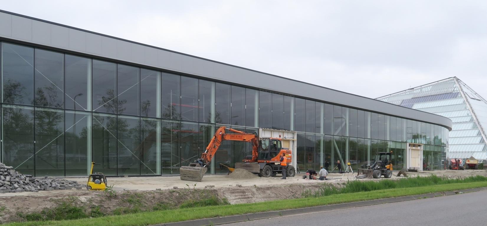 Herbouw en uitbreiding showroom
