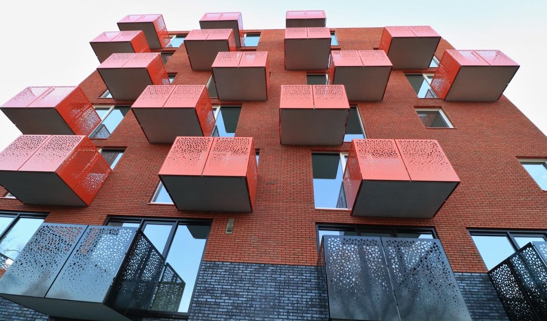 Twee woontorens van 34 appartementen De Velden 13